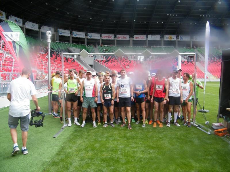 Biegacze otworzyli stadion