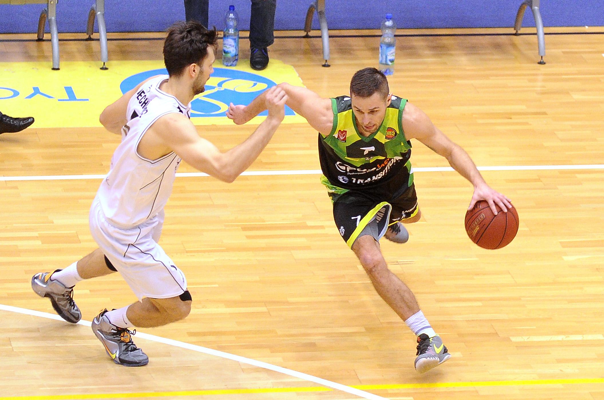 Koszykarze zagrają w domu