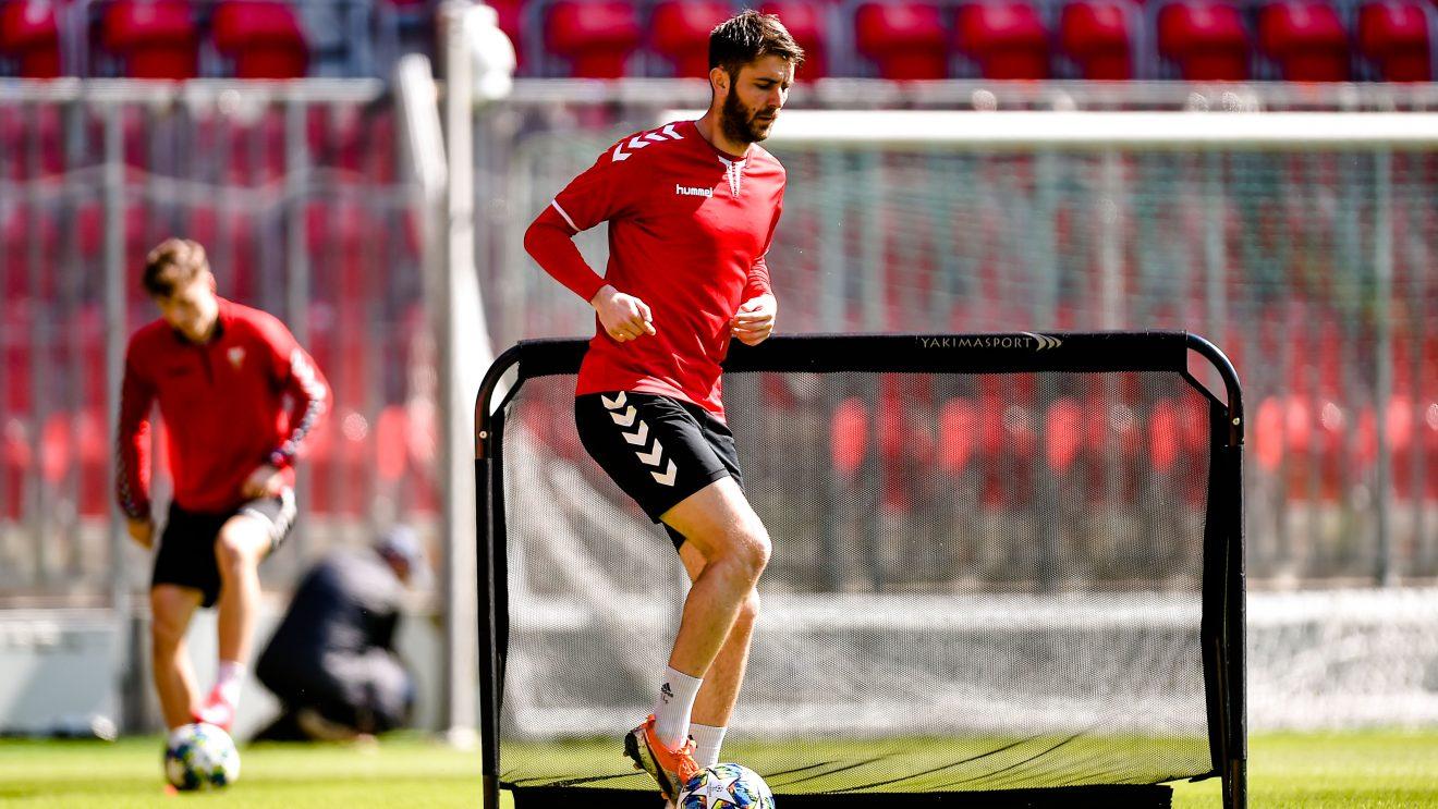 Piłkarze wracają do wspólnych treningów