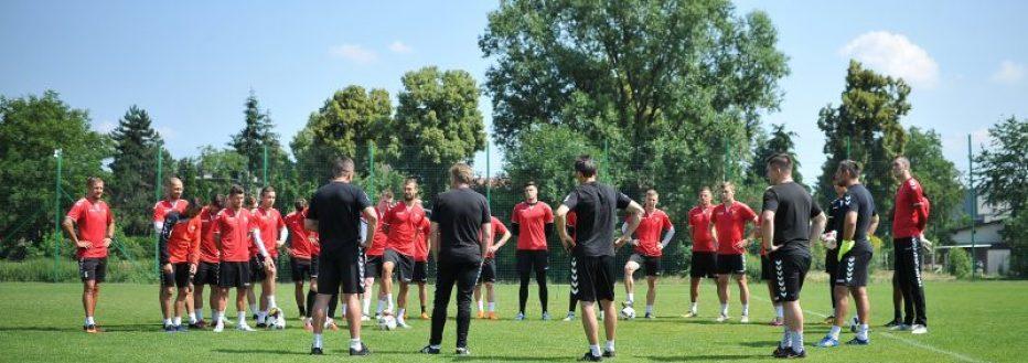 Piłkarze wznowili treningi