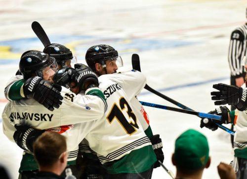 Hokej: Kompromitująca porażka