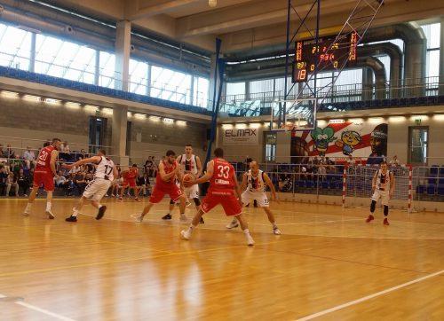 Koszykówka: Setka rezerwy
